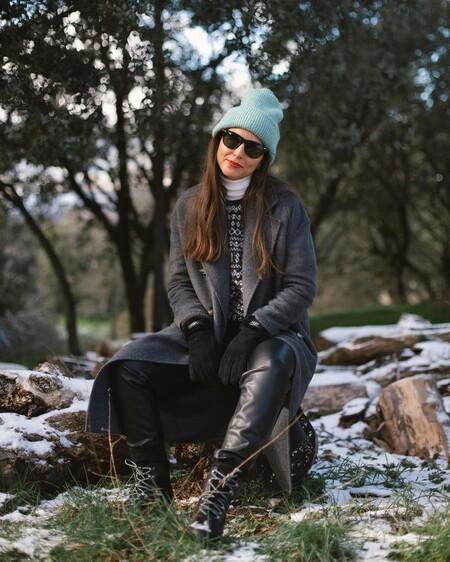outfits casual de invierno con botas militares