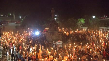 Blood and Soil: el significado del lema pre-nazi que corearon los manifestantes en Charlottesville