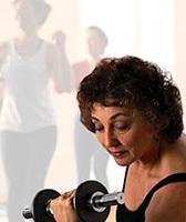 Mujeres mayores con menos músculo que los hombres