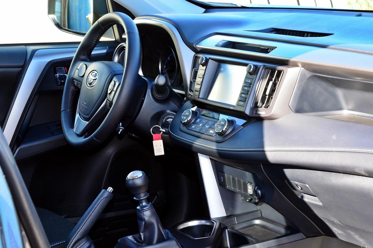 Foto de Toyota RAV4 150D Advance (18/75)
