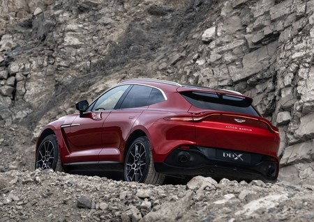 Aston Martin Dbx 2021 1280 0b