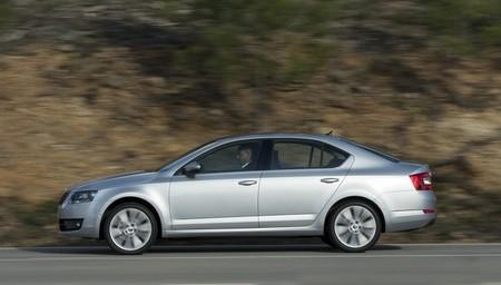Škoda Octavia 2013, versiones, equipamientos y precios para España