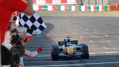 La Fórmula 1 elige los 10 momentos más brillantes de Fernando Alonso y los une en un solo vídeo de YouTube