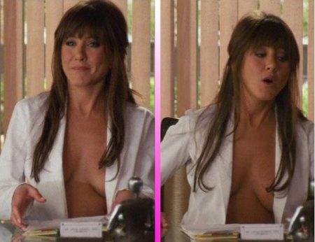 A Jennifer Aniston se le escapan los pechos en la consulta ¡Cuidado doctora!