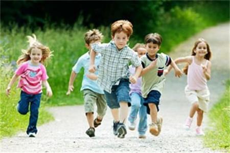 ¿Los niños de hoy corren menos que los de antes?
