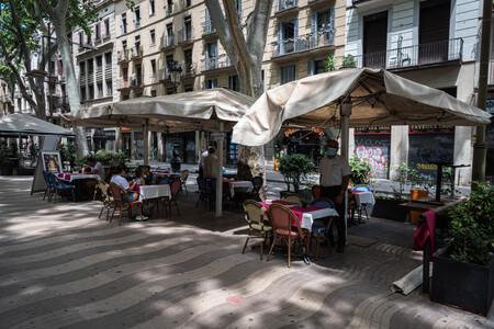 La Generalitat anuncia el cierre de todos los bares y restaurantes de Cataluña hasta fin de mes (pero los hosteleros recurrirán la medida)