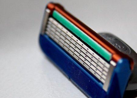 Resultado de imagen para Afila tus cuchillas de afeitar con este truco