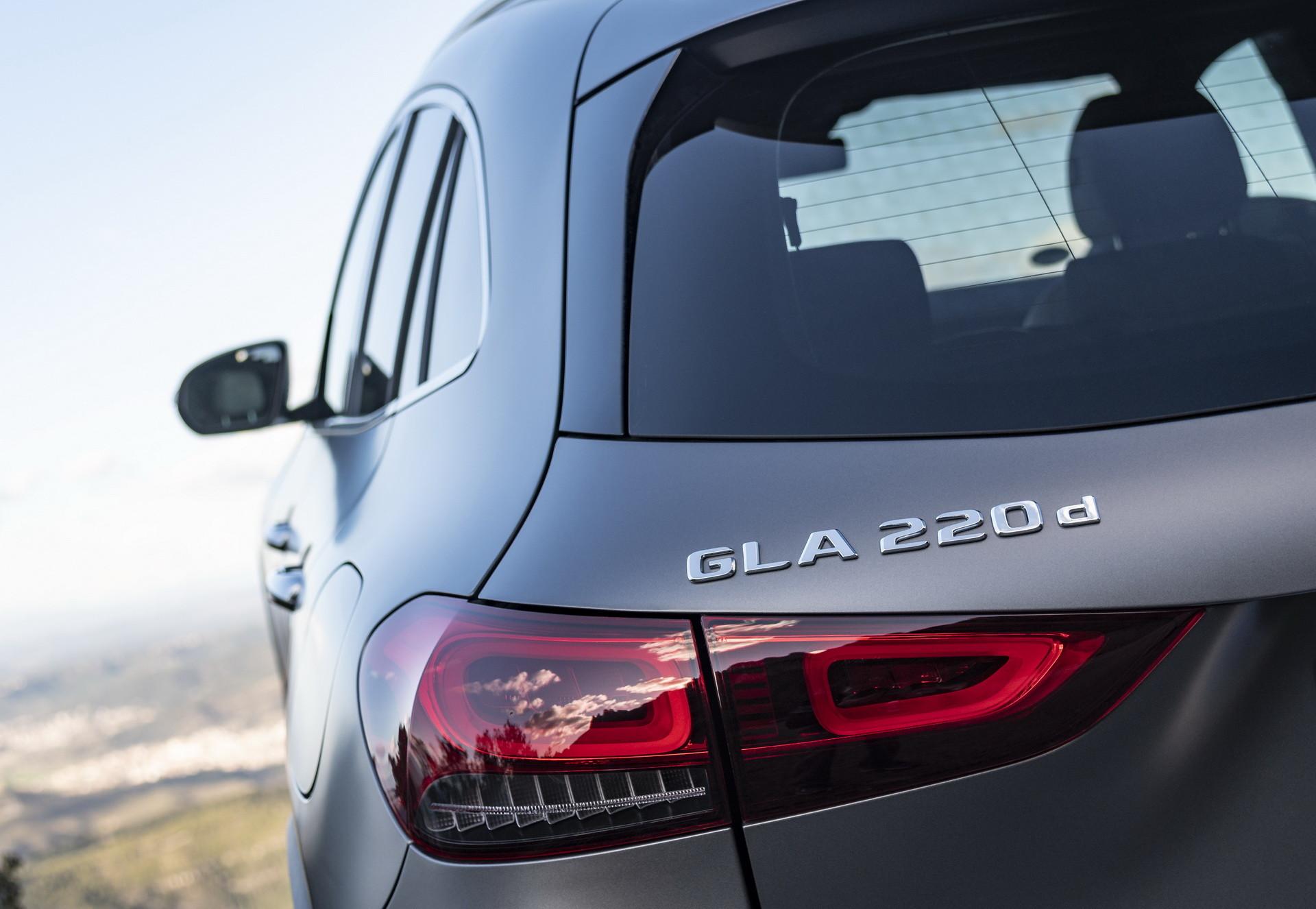 Foto de Mercedes-Benz GLA 2021 (37/103)