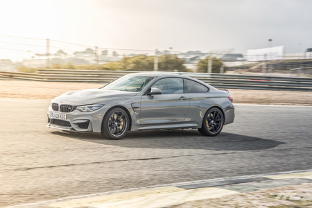 BMW M4 CS en curva