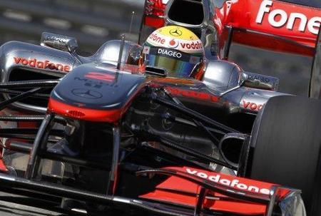 Red Bull se hace un hara-kiri y regala la victoria a McLaren