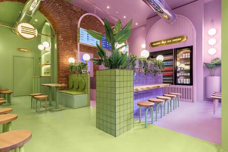 Color y diseño en esta hamburguesería diseñada por Masquespacio