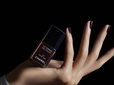 Le Rouge Noir de Chanel, mucho más que un simple esmalte de uñas