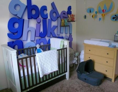 Una mala idea: mural del abecedario en el cuarto de un bebé