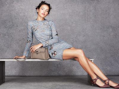 Clonados y pillados: Valentino firma el vestido de encaje de tus sueños ¿O no?