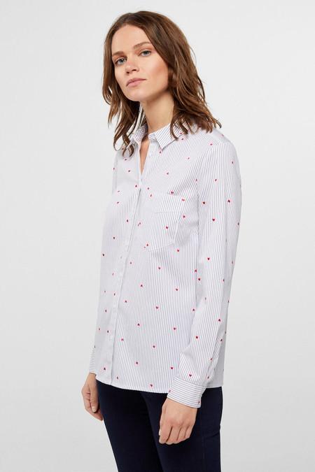 Camisa Vaquera Blanca Con Estampado Flocado De Corazones Slim Fit