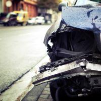 El futuro ya está aquí: mujer provoca un accidente, se da a la fuga... y su coche se chiva de ella