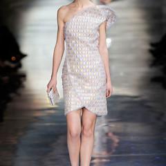 Foto 15 de 16 de la galería armani-prive-alta-costura-primavera-verano-2010-vestidos-de-noche-inspirados-en-la-luna en Trendencias