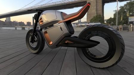 La novedad de esta motocicleta eléctrica, además del diseño, está en un supercondensador que dispara su autonomía hasta los 300 km