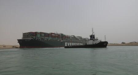 Barco Canal Suez Autoridades