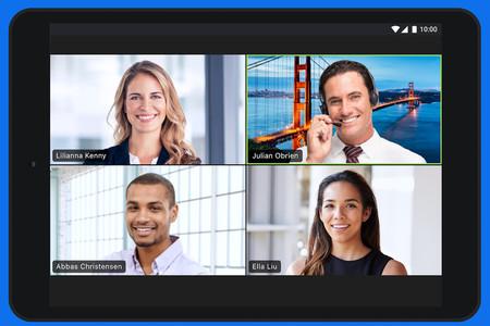 Gente extrañamente sonriente y bien iluminada en una videoconferencia que todos sabemos que es mentira.