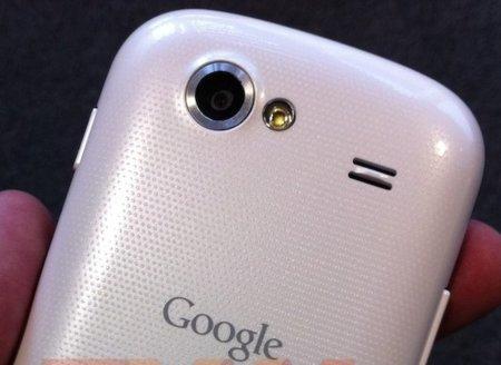 Nexus S blanco de nuevo, ¿se acerca a Vodafone?