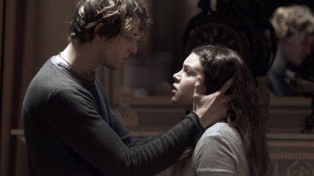 Antena 3 estrena mañana 'No soy como tú' y aprovecha la moda vampírica