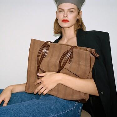 11 bolsos de piel de Zara con los que elevar los looks de otoño