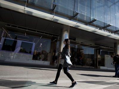 Zara es la marca más valorada en España y el resto de marcas de Inditex le siguen la pista