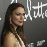"""Keira Knightley critica duramente a Kate Middleton por """"su presentación irreal de la maternidad"""""""