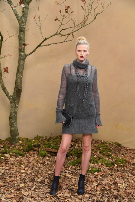 15 Lara Stone Fall Winter 2018 19 Ready To Wear Collection 2