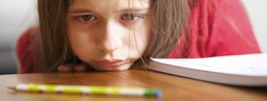 """""""Mi hijo ha acabado el curso con malas notas"""": las claves de una experta para ayudar a los niños con bajas calificaciones"""