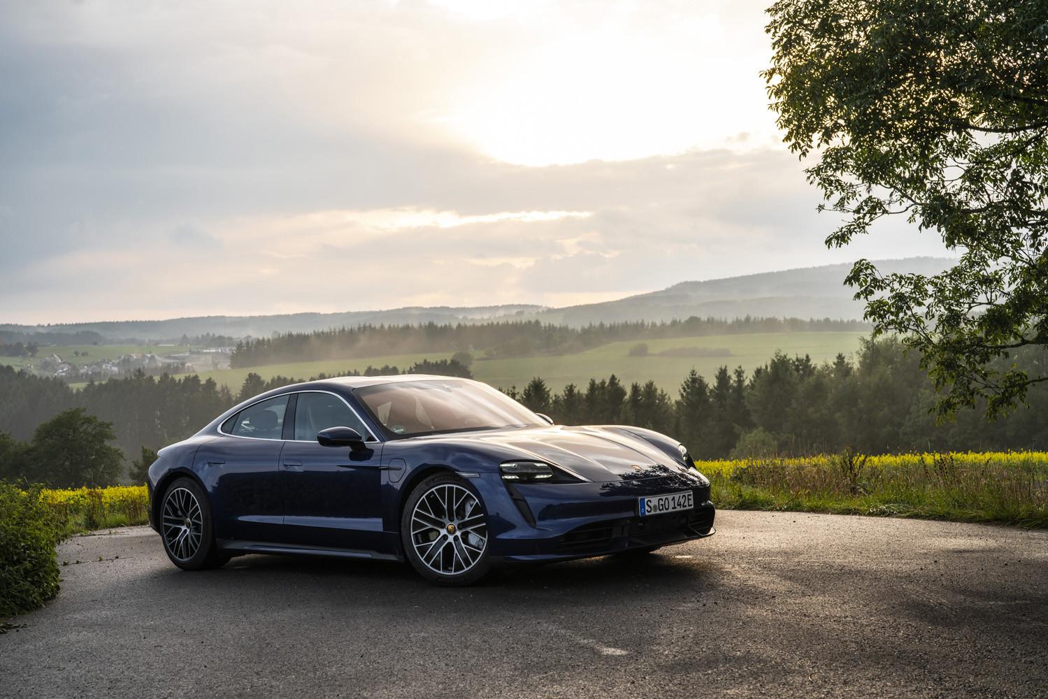 Foto de Porsche Taycan prueba contacto (15/275)