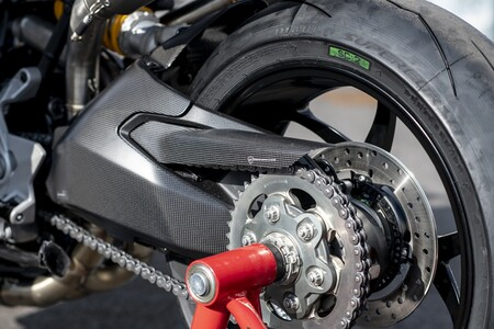 Ducati Supersport 950 2021 090