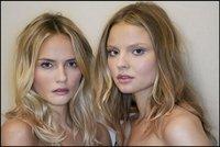 Los looks en el backstage de Chanel Cruise 2011