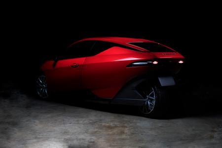 """Sondors, el """"coche"""" eléctrico de tres ruedas y un precio de 10.000 dólares que quiere cambiar el mercado"""