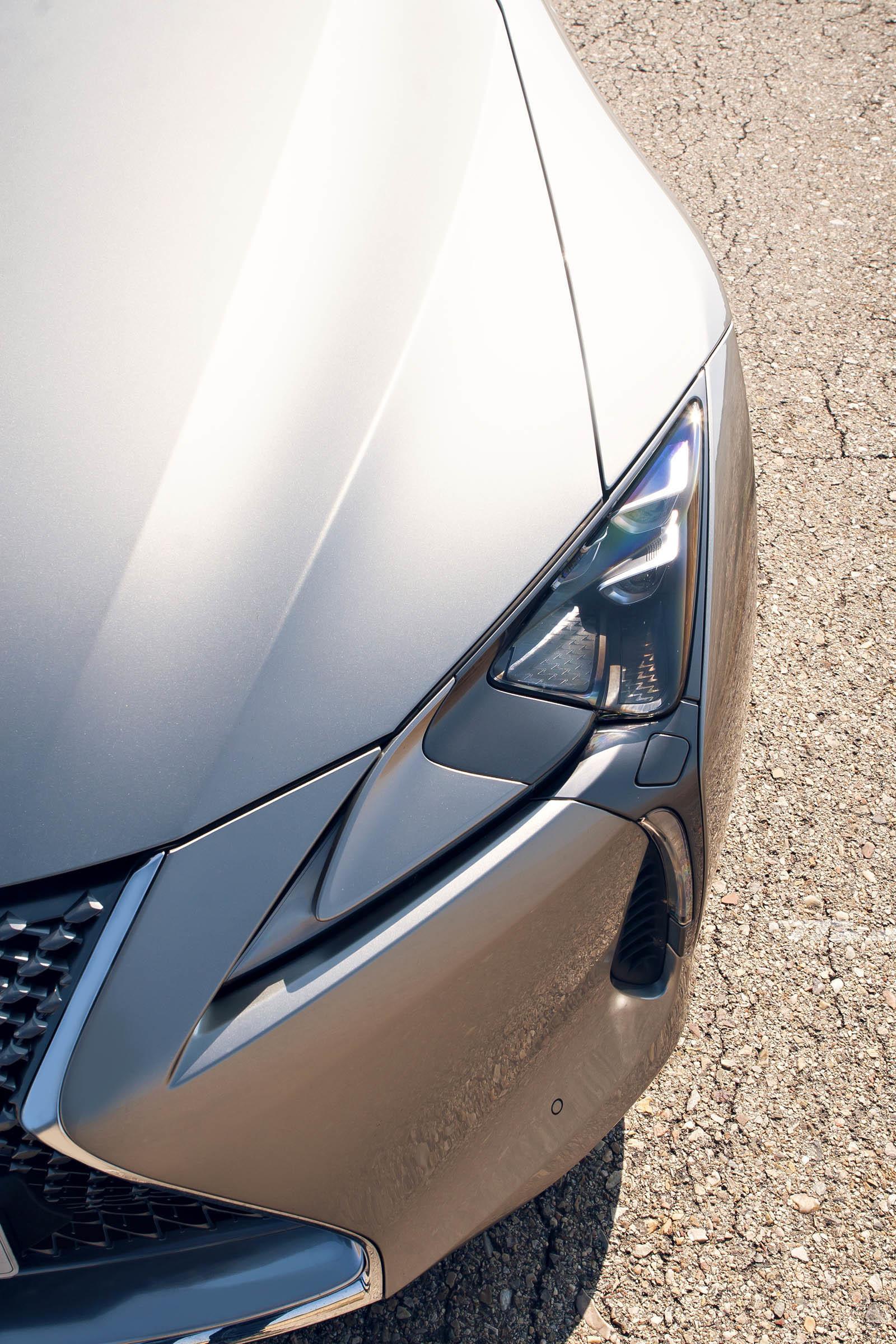Foto de Lexus LC 500 (17/40)