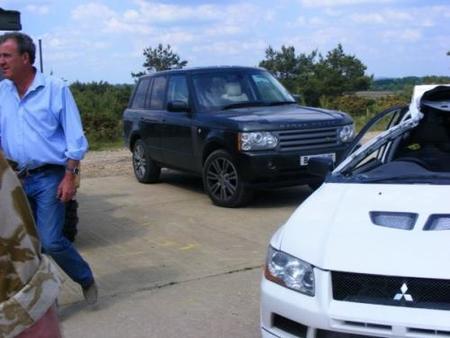A Top Gear la crisis no le afecta y destrozan un Mitsubishi EVO VII