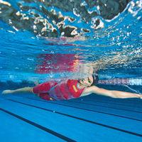 Hasta 40% de descuento en Amazon en cientos de artículos deportivos Arena, marca especializada en natación