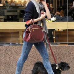 Foto 11 de 22 de la galería sal-a-pasear-al-perro-con-estilo-copia-a-sienna-miller en Trendencias
