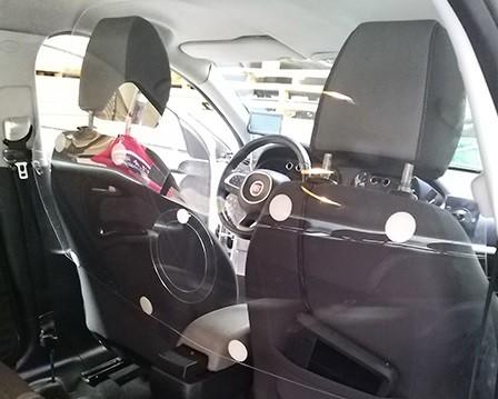 Los taxis recuperan las mamparas: de prevenir robos y agresiones a proteger contra el coronavirus
