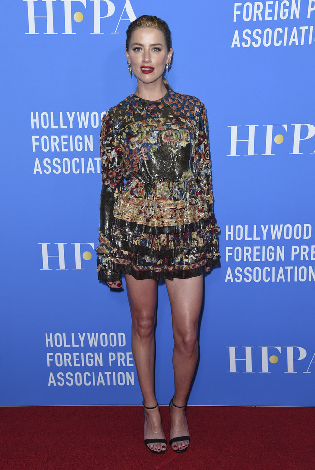 hfpa banquete red carpet Amber Heard