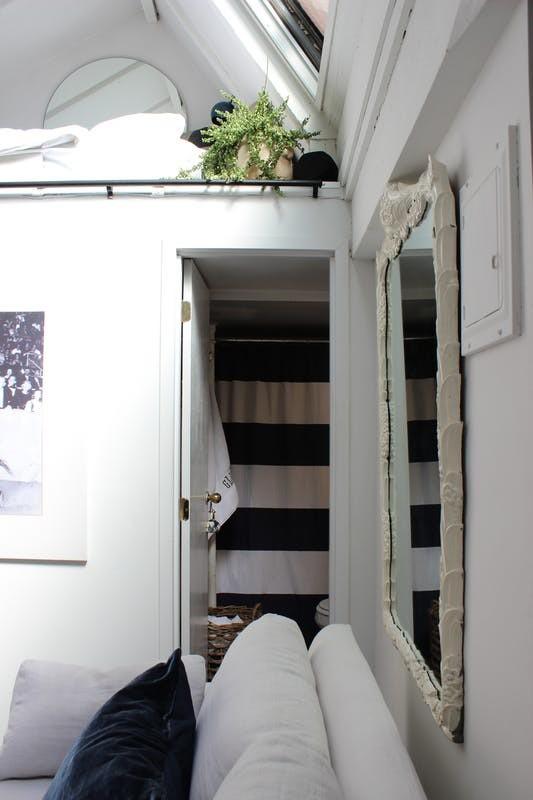 Petite Porte Pour Acceder A La Sdb