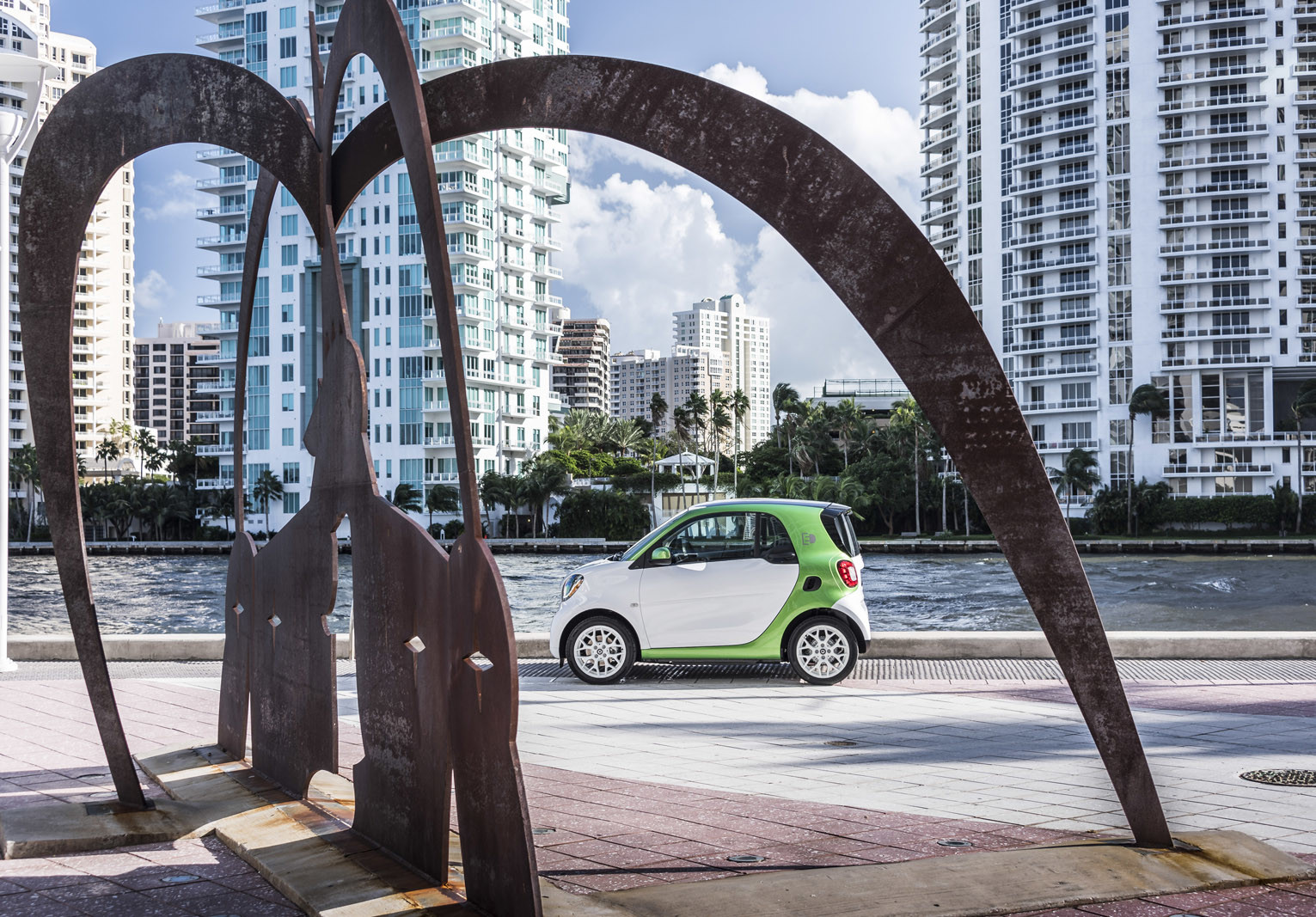 Foto de smart fortwo Electric Drive, toma de contacto (138/313)