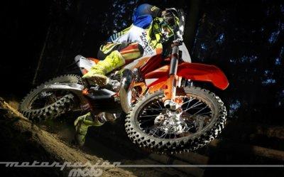 Probamos la nueva gama Bridgestone Battlecross en Austria (valoración y vídeo)