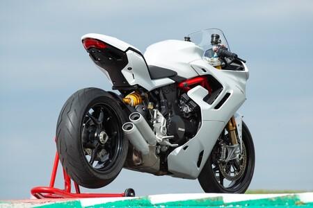 Ducati Supersport 950 2021 041