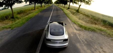 """Elon Musk: """"Las recargas del Tesla Model 3 no serán gratuitas"""""""