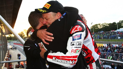 British Superbikes 2012: tridente y corona para Shane Byrne