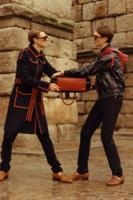 Lo nuevo de Loewe para el Otoño-Invierno 2015 se pasea cómodamente por Segovia