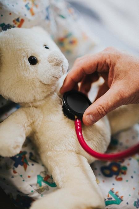 Los pediatras nos recuerdan que las enfermedades infantiles siguen existiendo en tiempos de coronavirus: cuándo consultar