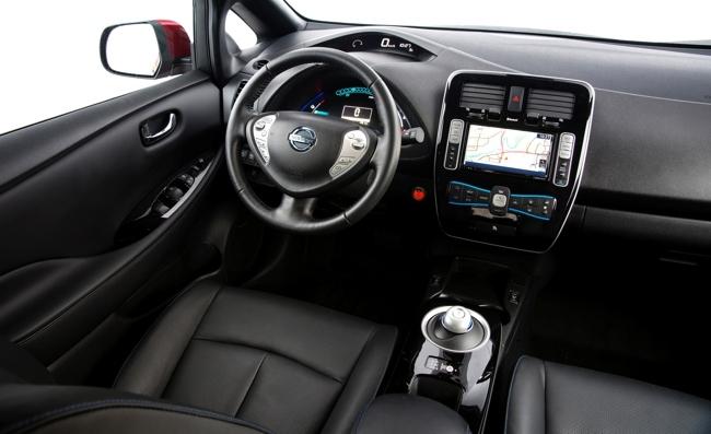 Nissan LEAF 2013 interior negro